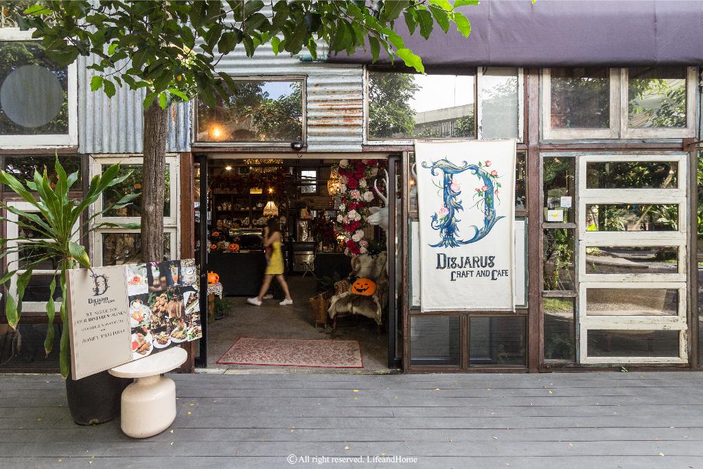 DISJARUS Craft & Café เปล่งประกายท่ามกลางมวลดอกไม้